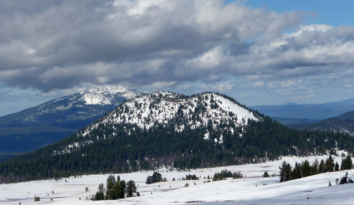Snow covered mountains north of Crater Lake