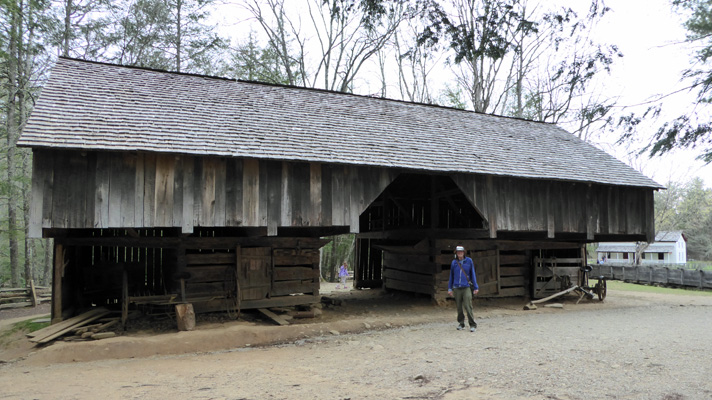 LeQuire Cantilever Barn