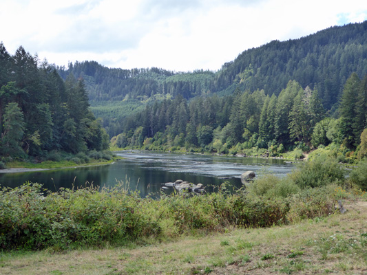 Umpqua River looking west