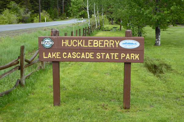 Huckleberry Campground Lake Cascade sign