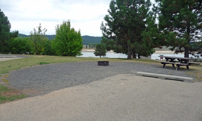Gravel pad at campsite Sugarloaf campground